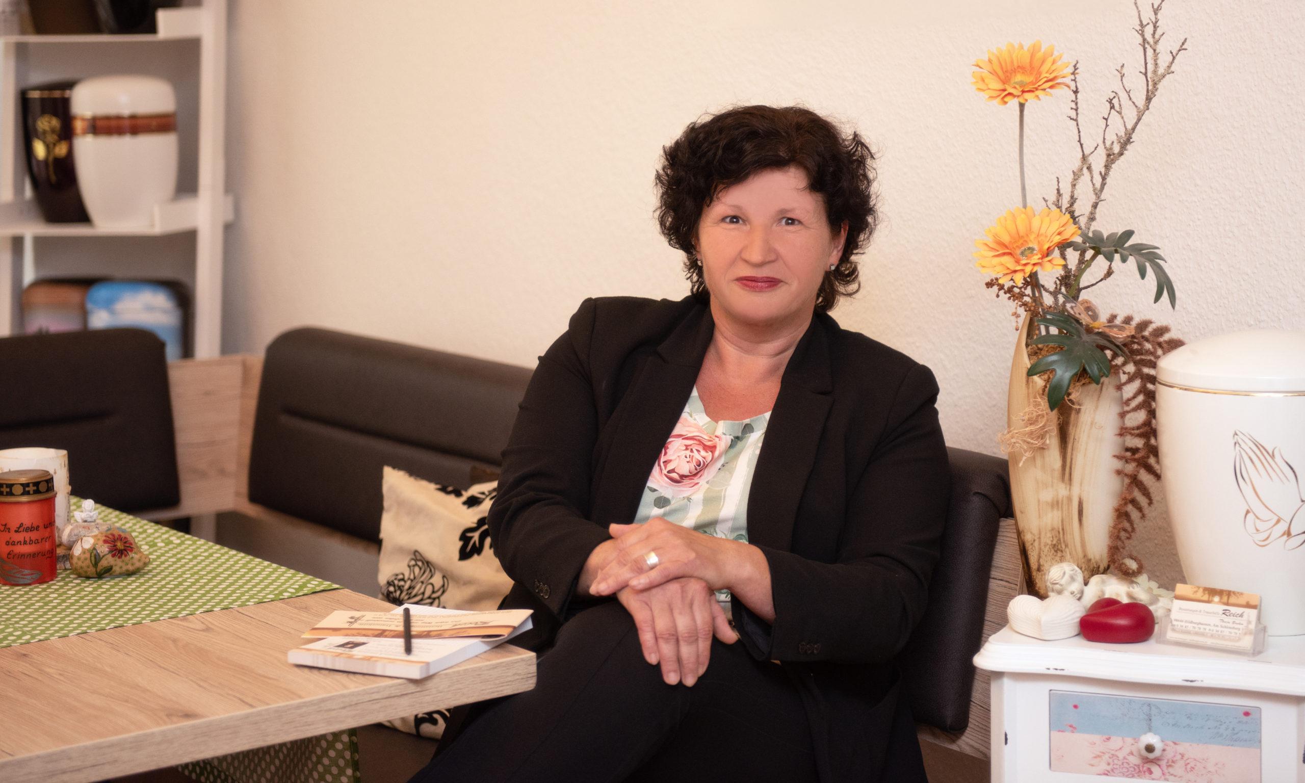 Tanja Brehm   Bestattung Hildburghausen - Eisfeld - Badrodach